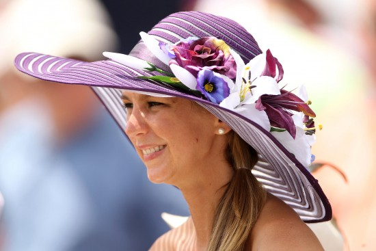 Flowers-decorated-hat-2012-Derby